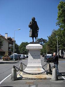 Vol:220px-Voltaire_statue,_Ferney
