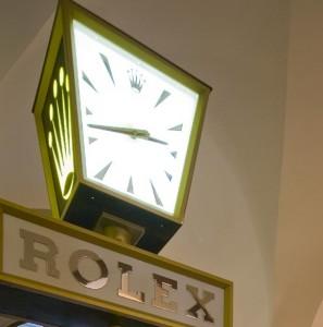 roku:rolex-clock-297x300 Hotel d'Orologio