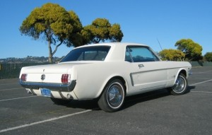 os:wit 3:4 back 1965_Ford_Mustang_Notchback_Coupe_San_Jose_Wimbledon_For_Sale_Rear_resize