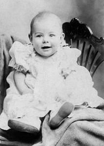 Ernest Miller Hemingway was het tweede kind, en eerste zoon, van Clarence en Grace Hemingway