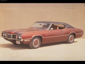 rg:Ford-Thunderbird bruin front 3:4